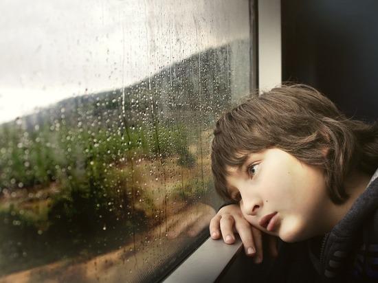 В кузбасской больнице прокомментировали очереди детей на улице под дождем