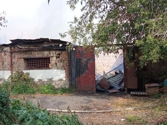 Из-за чего загорелась авторазборка в Красноярске рассказали в МЧС