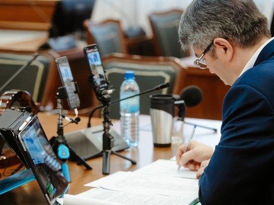 В Бурятии обсудили рабочий график Алексея Цыденова