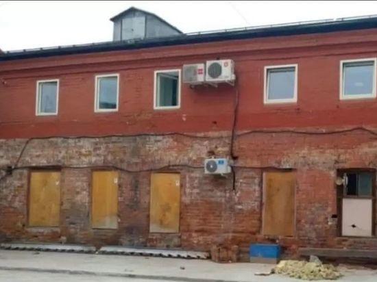 В Иркутске снесли незаконный пристрой к Усадьбе Власова