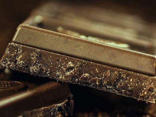 Россиянам раскрыли пользу темного шоколада и попкорна для похудения