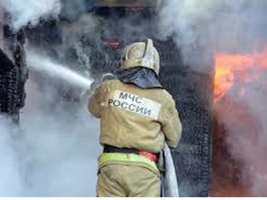 Житель Среднеколымска Якутии погиб при возгорании дома