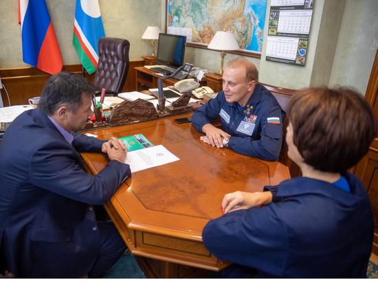 В Якутию прибыли медики для профилактического осмотра волонтёров