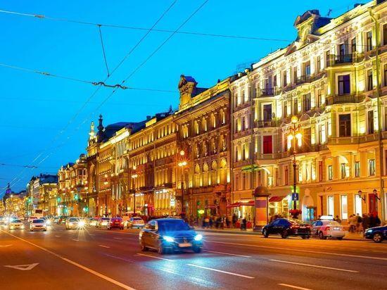Прямой эфир пьяного дальнобойщика с Невского проспекта прервали полицейские