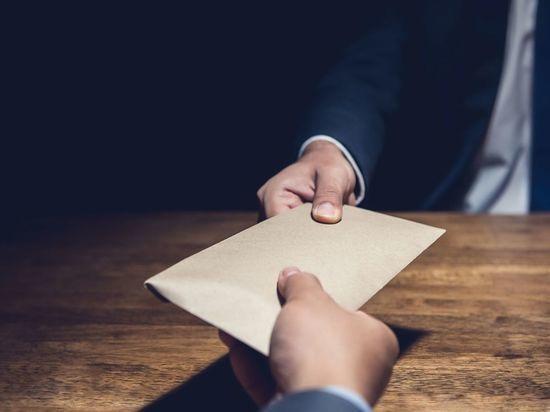Чиновник гостехнадзора Ленобласти попался на взятке за права
