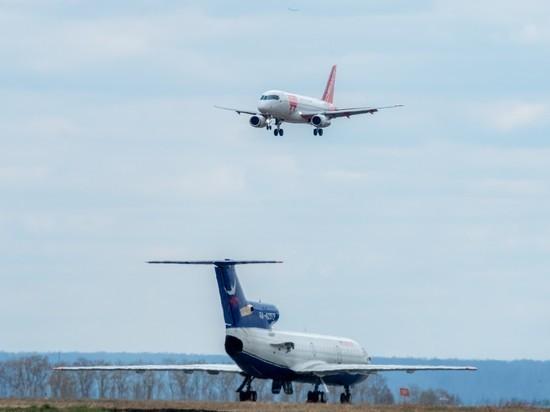 Пьяный мужчина устроил дебош на борту самолета, летевшего из Анапы в Челябинск