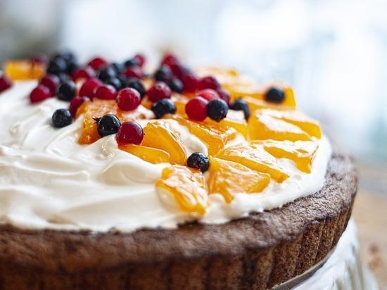 Торт в лицо - невинная шутка или угроза здоровью