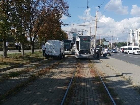 В Ростове трамвай переехал мужчину