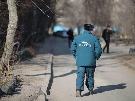 В Астрахани спасли из пожара двух детей и их мать