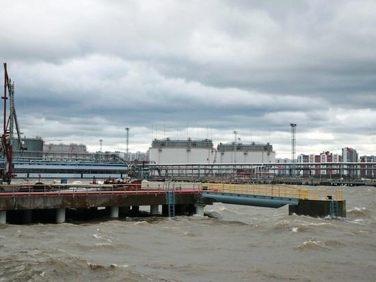 В Петербурге начали строительство нового нефтяного терминала