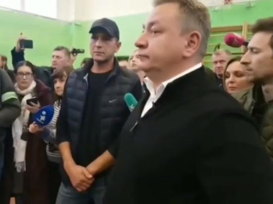 Жители Бужаниново на новом народном сходе потребовали выдворения всех мигрантов