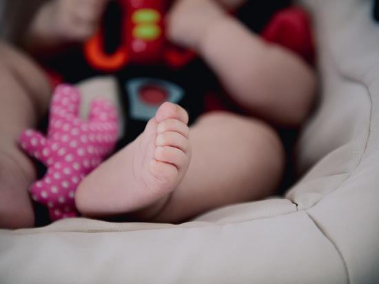 У многодетной астраханки-банкрота незаконно забирали выплаты на детей