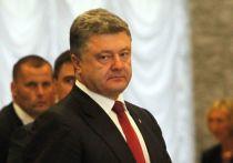 Бывший президент Украины Петр Порошенко планировал повторить провокацию с направлением украинских катеров в Керченский пролив, чтобы спровоцировать конфликт, который позволит ввести чрезвычайное положение и добиться переноса президентских выборов в 2019 году