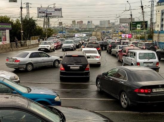 «Я считаю, что это полумера»: автомобилисты Омска высказались об отмене техосмотра для легковых машин