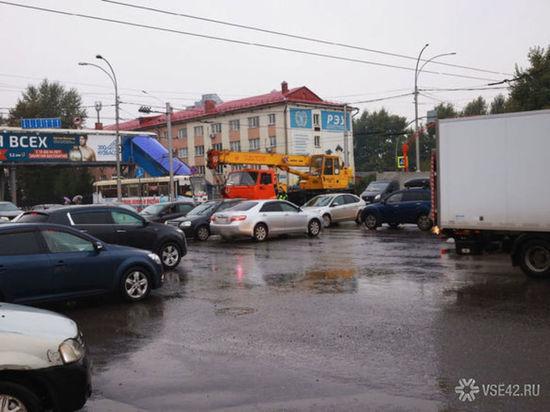 В ГИБДД сообщили о нехватке регулировщиков из-за отключения электроэнергии в Кемерове