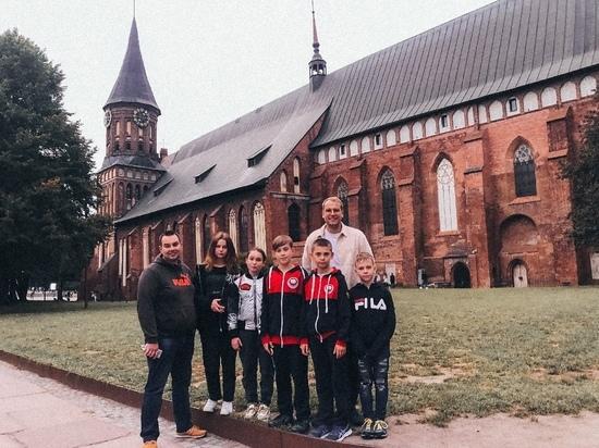 «Серебро» и «бронзу» привезли псковские каратисты с соревнований в Калининграде
