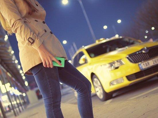 Таксист попал под уголовную статью на нежелание отдавать белгородке забытый в машине телефон