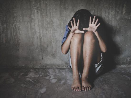 Полиция Петербурга начала поиски неизвестных, которые домогались до девочек-подростков