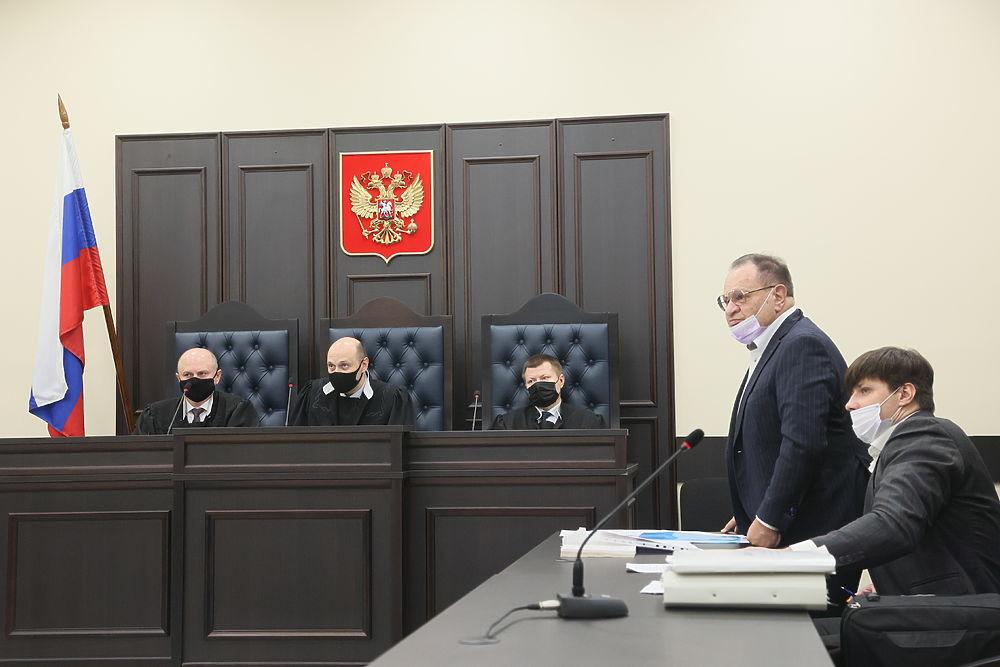 Адвокат рассказал о тяжелом положении Ефремова в колонии: кадры из суда