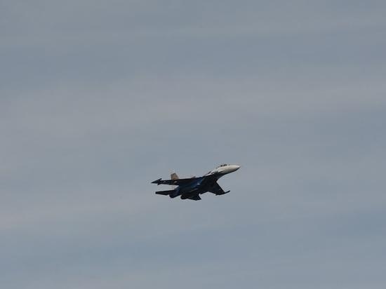 У пролетавшего над Волгоградом истребителя Су-27 отказало оборудование