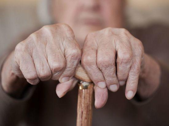 Петербуржец несколько дней жил с трупом бабушки в квартире