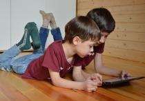Эксперты британской фирмы Qustodio исследовали поведение детей в Интернете и поделились верными признаками компьютерной зависимости ребенка, а также дали советы избавления от нее
