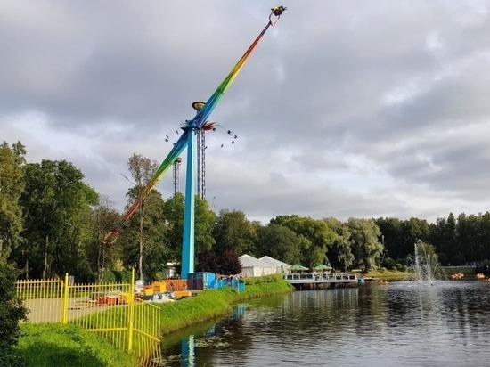 Стихия стихла: скверы, парки и сады Петербурга вновь открыли для посещения