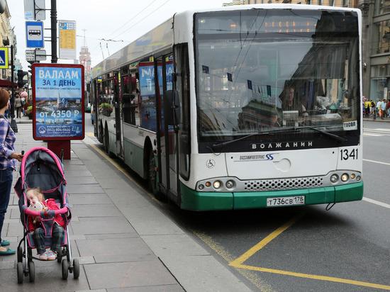 По самым загруженным улицам Петербурга пустят дополнительные автобусы