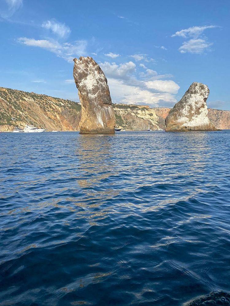 Из Балаклавы к Фиоленту: что удивило туристов на морской прогулке