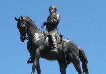 В начале сентября Верховный суд штата Вирджиния единогласно постановил, что штат может снести статую генерала Конфедерации Роберта Ли в своем столичном городе Ричмонд