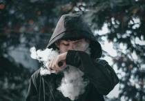 Управление по контролю за качеством пищевых продуктов и медикаментов (FDA) приняло неоднозначное решение в отношении потенциального вреда от электронных сигарет (вейпов), сузив рынок продаж в угоду крупным производителям