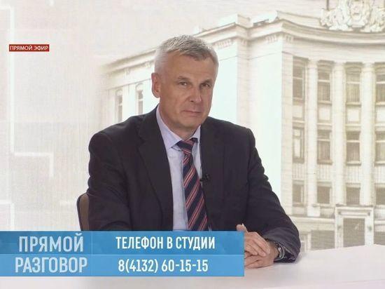 Сергей Носов: проблему нехватки врачей на Колыме с можно решить, обеспечив их жильем