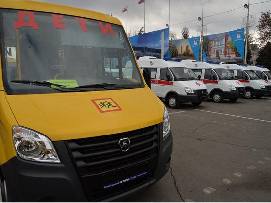 Якутия получит 18 автомобилей скорой помощи и 51 школьный автобус