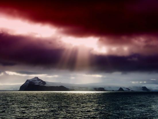 За минувшую неделю озоновая дыра над Южным полюсом Земли существенно увеличилась, и ее площадь превысила площадь Антарктиды