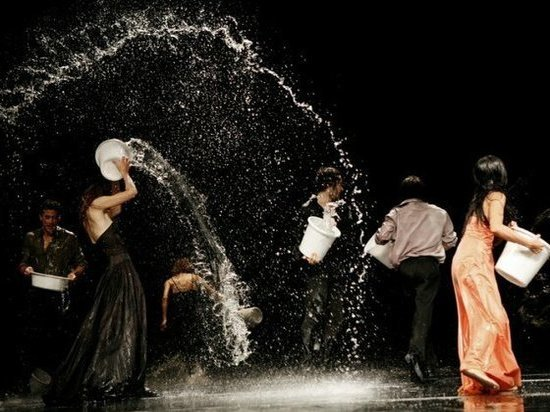 Танцевальный спектакль Пины Бауш «Полнолуние» впервые поставят на петербургской сцене