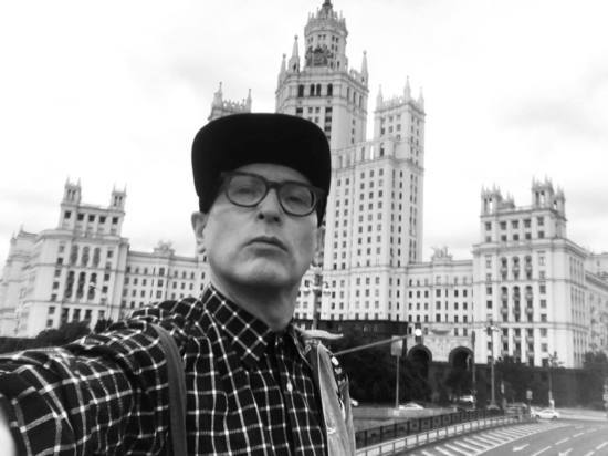 Андрей Бартенев покинул пост куратора галереи «ЗДЕСЬ на Таганке»