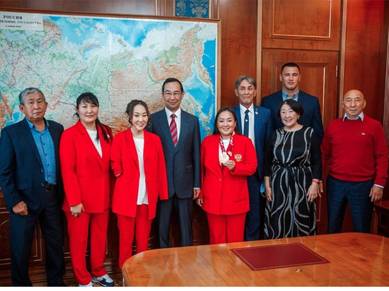 Глава Якутии встретился с участниками Олимпийских и Паралимпийских игр