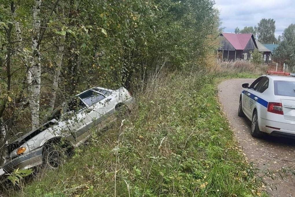 Костромские трагедии: возле деревни Василево погибли два пассажира автомобиля ВАЗ