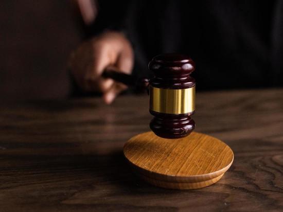В Курске бывший полицейский проведет полтора года в колонии за избиение инспектора ДПС
