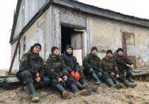 Разобрали 5 зданий и собрали 3 тысячи бочек: активисты «Чистой Арктики» завершили экоэкспедицию на острове Вилькицкого