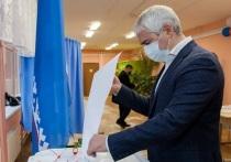 Оценил уровень подготовки и проголосовал: о работе избирательных участков в городе рассказал глава Ноябрьска
