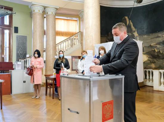 Андрей Бочаров проголосовал в Волгоградском планетарии