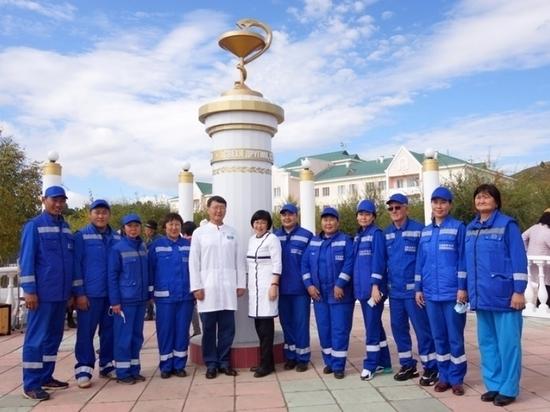 Сквер имени Дугаровой и памятный знак врачам открыли в Агинском