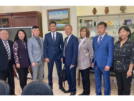 В трех образовательных учреждениях Якутии планируют открыть агротехнологические классы