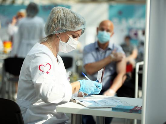 """Вирусолог объяснил причину коронавируса у привитых: """"Нужно беречься"""""""