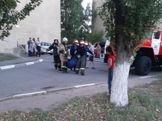 В Старом Осколе пожарные реанимировали спасенного из горящей квартиры мужчину