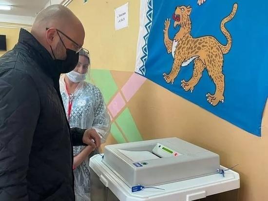 Станислав Стармолотов принял участие в голосовании