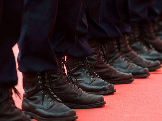 Порядка 350 полицейских прикрепились к УИКу в Василеостровском районе