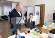 Темрезов проголосовал на выборах в Госдуму РФ в Черкесске