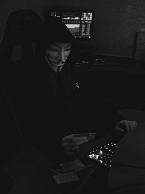 Девушка из Смоленска, покупая криптовалюту, наткнулась на мошенника